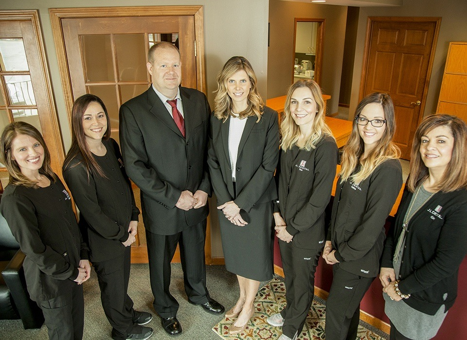 JL Dental team of dentists, dental assistants and dental hygienists